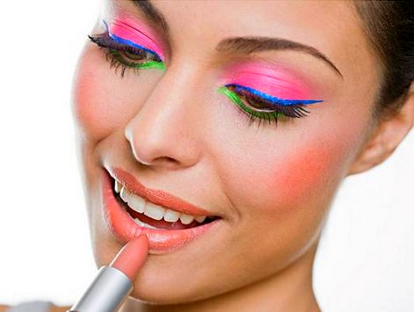 Como-fazer-maquiagem-com-Sombras-coloridas-3