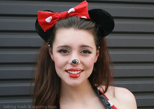 minnie mouse cartoon makeup face diy tutorial 7