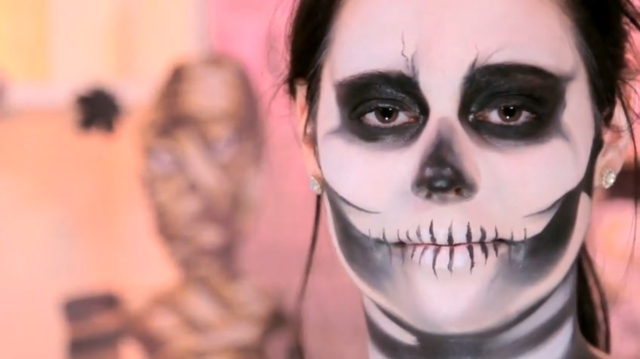 Skeleton-Makeup-For-Halloween